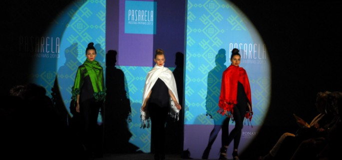 3be91c35681b Impulsa fonart el uso de artesanía mexicana en la moda de diseñador ...